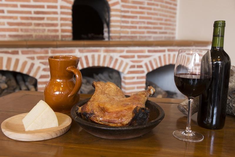 Aranda del Duero acoge del 1 al 30 de junio las XV Jornadas Gastronómicas del Lechazo.