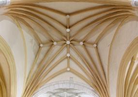 Interior Iglesia de San Pelayo: Bóveda estrellada