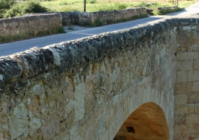 Puente de Piedra de Langa de Duero