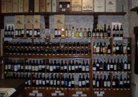 Enoteca Quesos, Jamones y Vinos