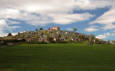 Moradillo de Roa: El Cotarro Bodegas Subterráneas