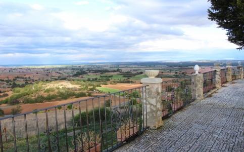 Valcabado de Roa: El Balcón de la Ribera
